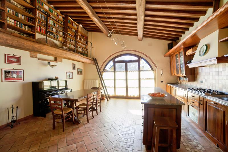 Appartamenti vacanza suvereto camera agriturismo maremma for Casa moderna con tetto in legno